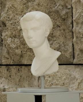 Ritratto di Ottavia Minore, calco dall'originale di età augustea (27 a.C.-14 d.C.), conservato nel museo di Palazzo Massimo alle Terme (Roma)