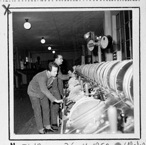 Operai al lavoro nella Sala Colonne (1960 circa)