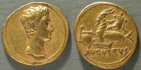 Moneta (aureo) di Augusto: testa di Augusto e capricorno nei Musei Capitolini
