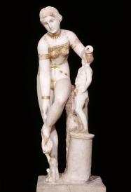 Statua della Venere che si slaccia un sandalo, Napoli, Museo Archeologico Nazionale